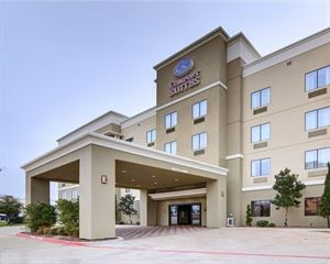 Comfort Suites near Northeast Mall