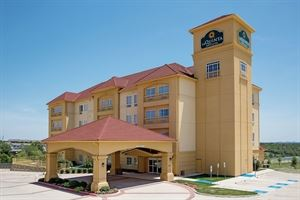 La Quinta Inn and Suites Fort Worth-Lake Worth