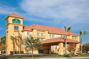 La Quinta Inn and Suites Fresno Riverpark