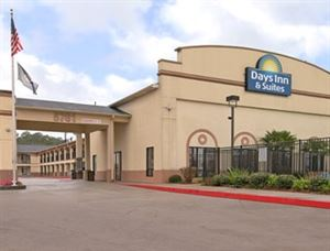 Opelousas Days Inn and Suites
