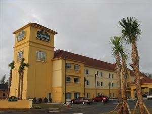 La Quinta Inn and Suites Suites Satsuma