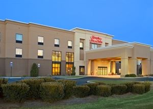 Hampton Inn and Suites Manchester