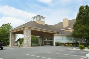 Best Western Plus - Revere Inn & Suites
