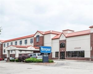 Rodeway Inn and Suites Milwaukee