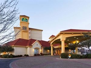 La Quinta Inn and Suites Oklahoma City NW Expwy