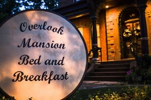 Overlook Mansion Bed And Breakfast