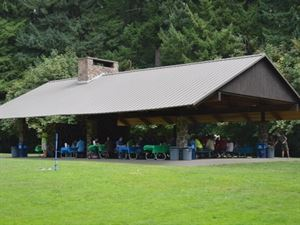 Wilsonville memorial park - River shelter