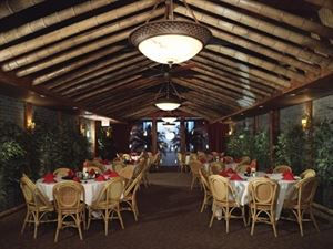 Fat's Catering And Banquet Facility