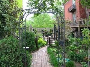 The Park Avenue Mansion -A Bed & Breakfast Inn