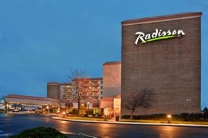 Radisson Hotel Cleveland Airport West