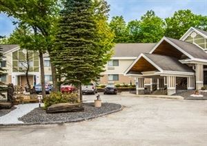 Comfort Inn & Suites At Maplewood