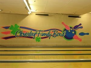 The Hillman's Cloverleaf Family Bowl