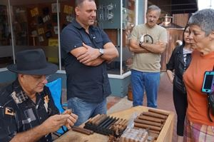 Don Lopez Cigars - Mobile Cigar Lounge and Cuban Roller