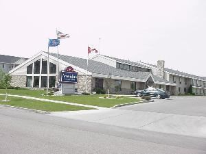 AmericInn Lodge & Suites Fargo West Acres