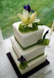 Hawaiian Cakesations Maui Wedding Cake