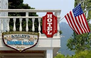 Smiley's Schooner Saloon and Hotel