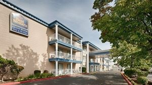 Best Western - Grand Manor Inn & Suites
